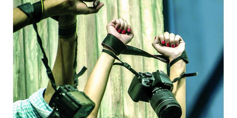 موقع ميدل إيست آي:  السيسي يكبل حرية الصحافة في مصر
